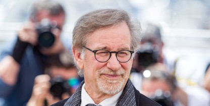 Steven Spielberg warns VR technology could be 'dangerous' for film-making | Film | The Guardian